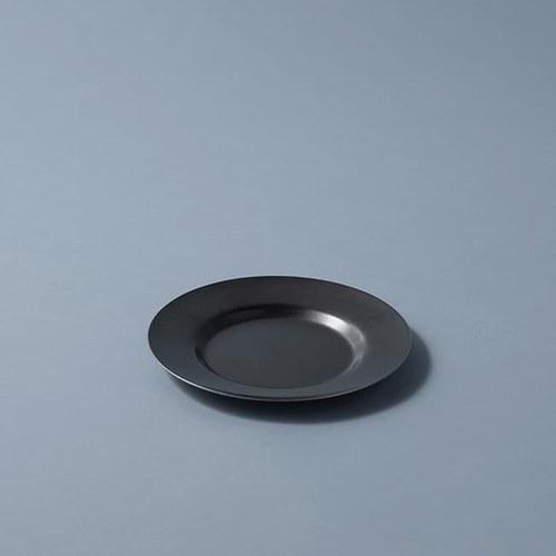 日本Aoyoshi 燭光之夜圓形深盤 (黑、16.5公分)